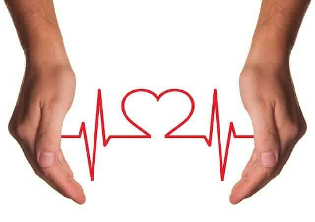 Figure EKG between the hands