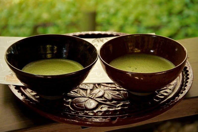 matcha tea in cups