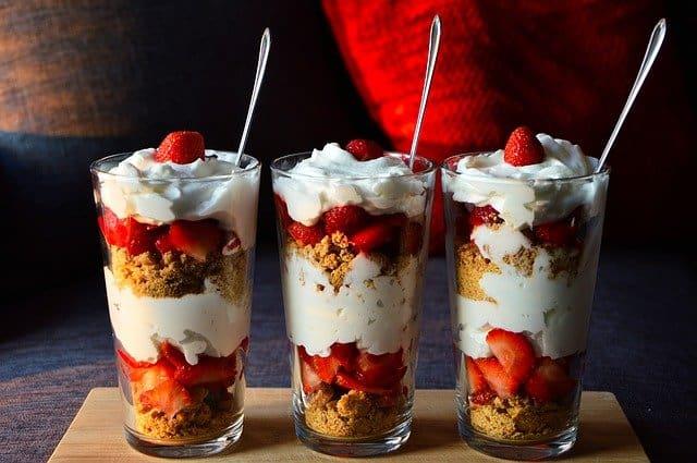 Diet dessert with fruit and yoghurt