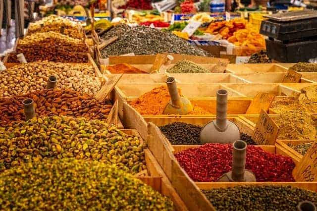 market with spices