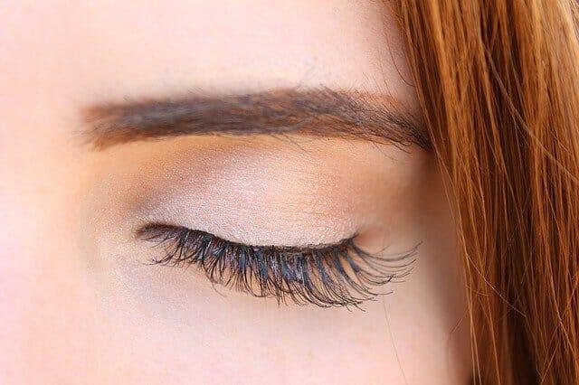 Eye with long, thick eyelashes