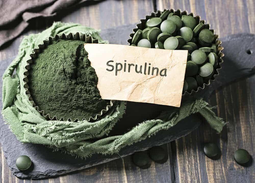 spirulina in tablets and spirulina powder